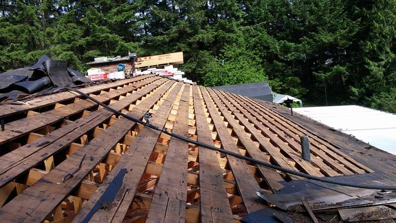 wood roof setup | Army Roofing Inc.
