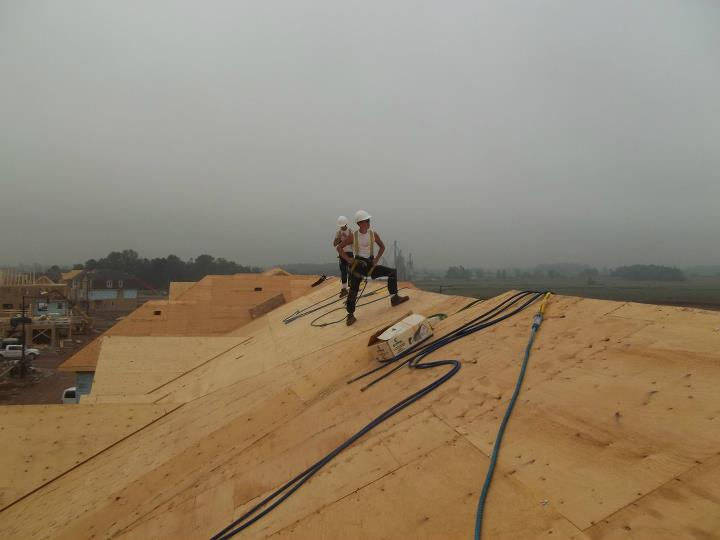 Delta Roofers at work | Army Roofing Inc.
